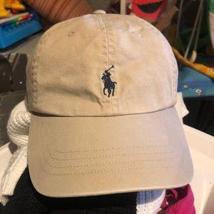 Polo tan hat